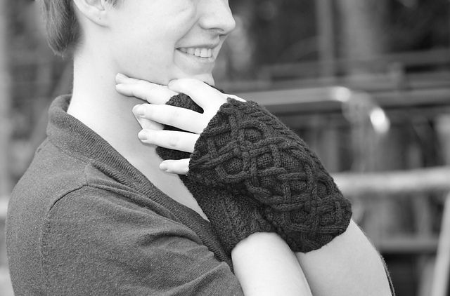 Ravelry: Port Royal Gloves pattern by Emily Savela
