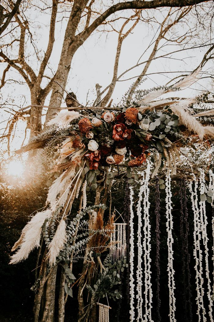 We've Had Heart Eyes Since We Laid Eyes on This Boho Rustic Meadow Hill Farm Wedding and We May Never Be the Same | Junebug Weddings