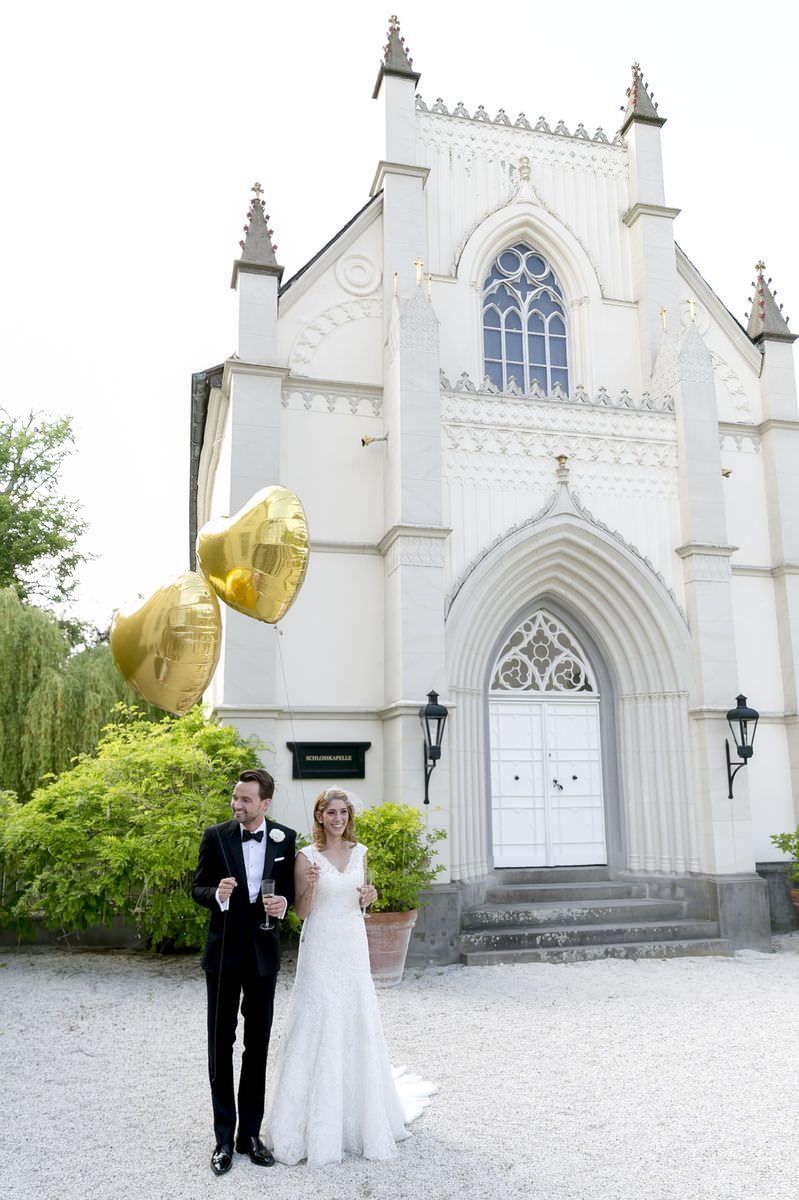 Schloss Hochzeit Mit Freier Trauung Im Garten Hochzeit Hochzeit Schloss Trauung