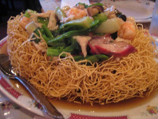 Hong Kong Style Crispy Chow Mein Noodles I Love This With Seafood And Vegetables In A Bird S Nest Style Chinese Cooking Asian Recipes Work Meals