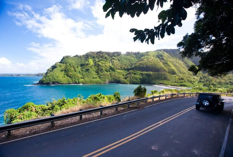 Hawaii's best scenic roadways and rental car companies