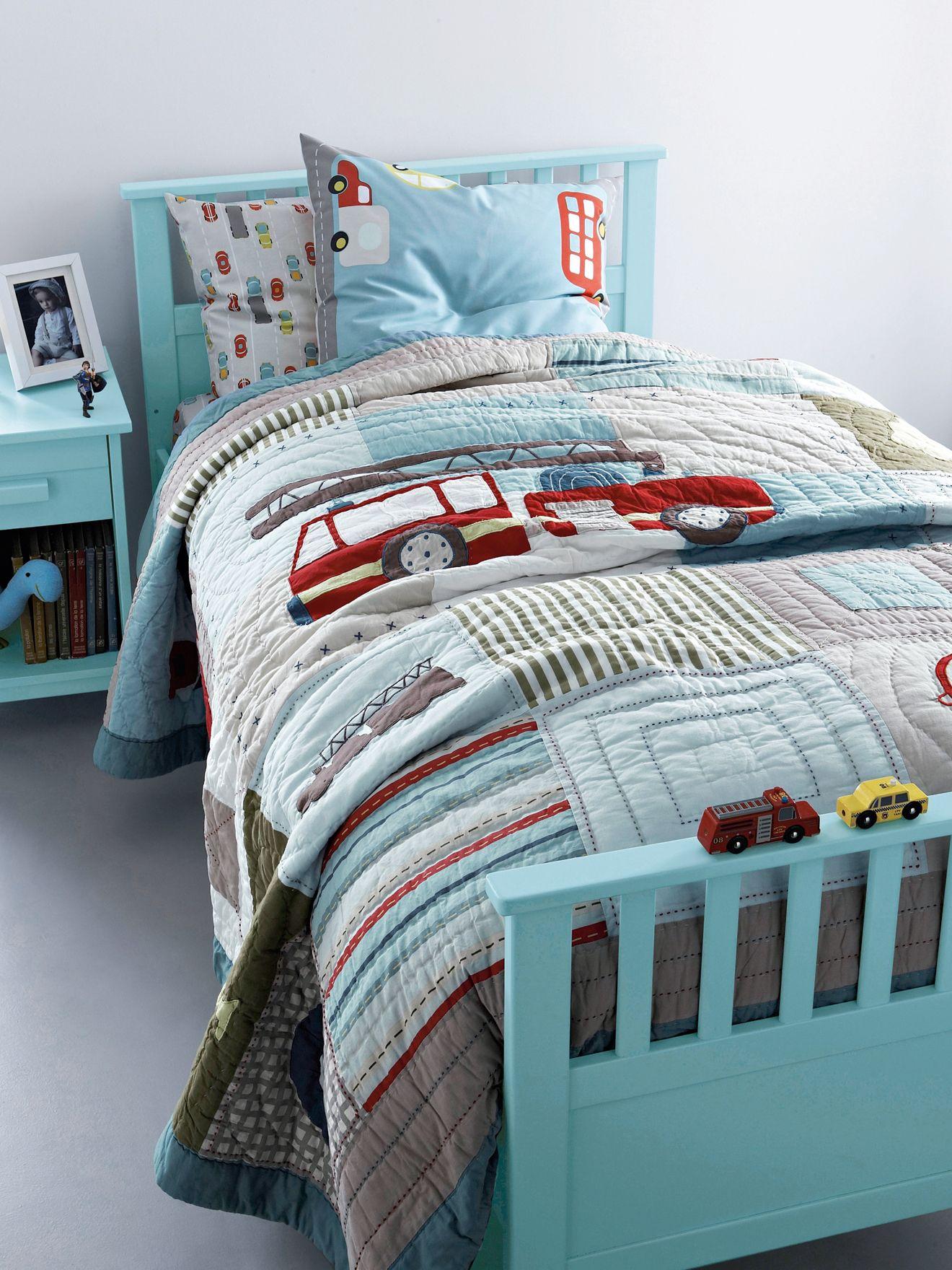 jet de lit en boutis gar on pompier chambre enfant d co chambre enfants pinterest jet. Black Bedroom Furniture Sets. Home Design Ideas