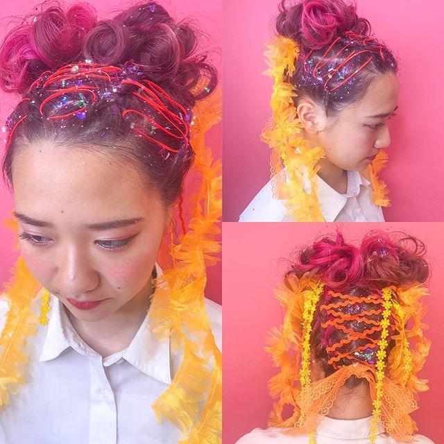 井 哲也 ハイライトカラー 美容師 湘南江ノ島さんはinstagramを利用しています 体育祭ヘアセット 編み込みツインのお団子に Mamaracho Shop 可愛いリボンを付けて 可愛くて目立つヘアアレンジ 体育祭や文化祭の無料カウンセリング 承ってます ハイ