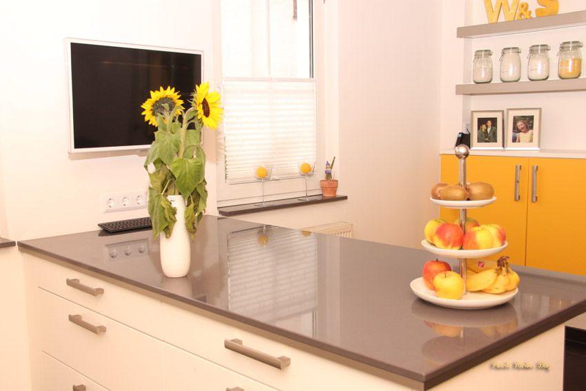 Schüller Küche Homestory Pearl's Harbor Blog, Küchenblog mit übergroßer Arbeitsplatte aus gegossenem Granit