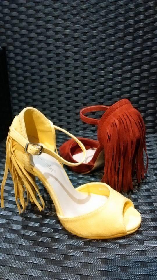 5d1ac642c8 Színes tavaszi cipők a Piaf Paristól! Nekünk a mai aktuális kedvenc a  napsárga minden mennyiségben! Nektek?