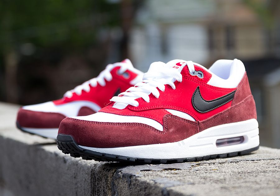 nike air max 1 essential black grey red color