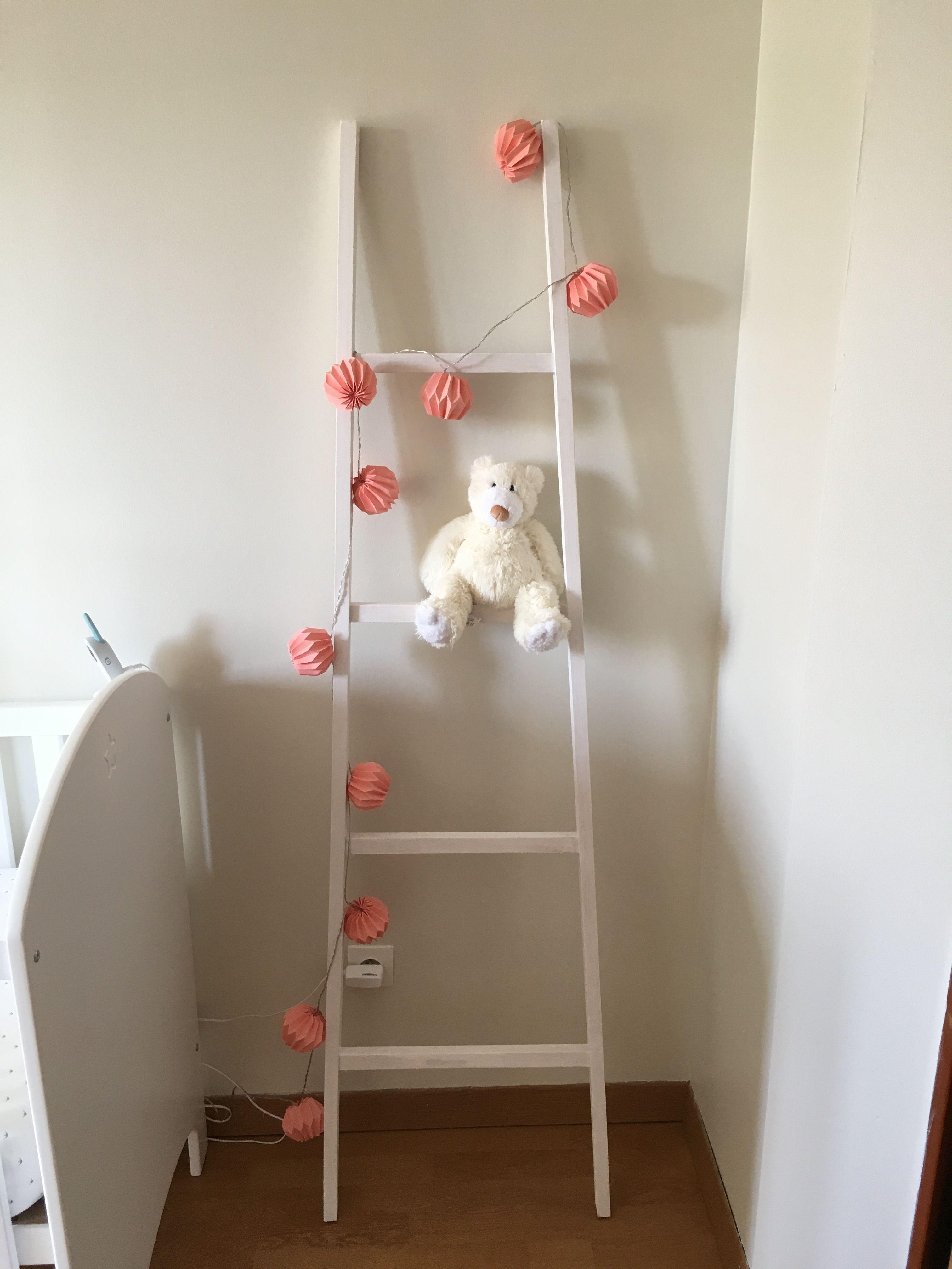 Chambre bébé fille corail beige blanc échelle déco  Déco chambre