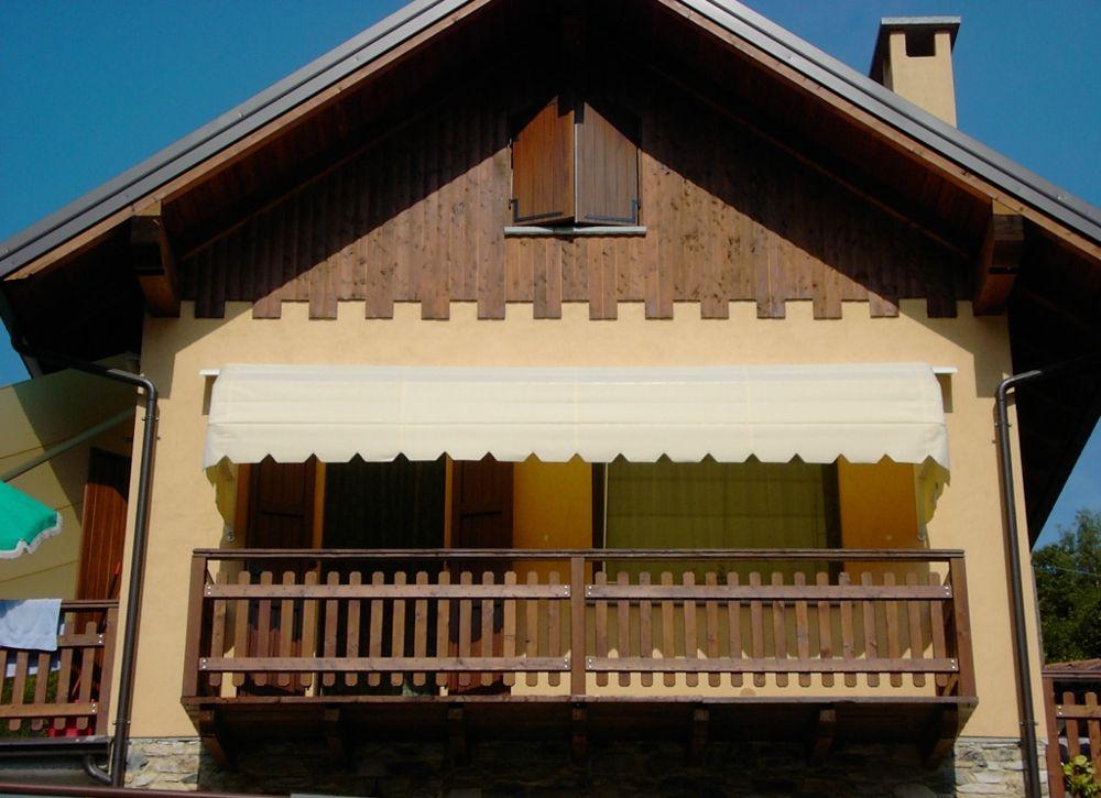 Copertine mobile capotine pentru ferestre si terase for Modele de balcon din lemn