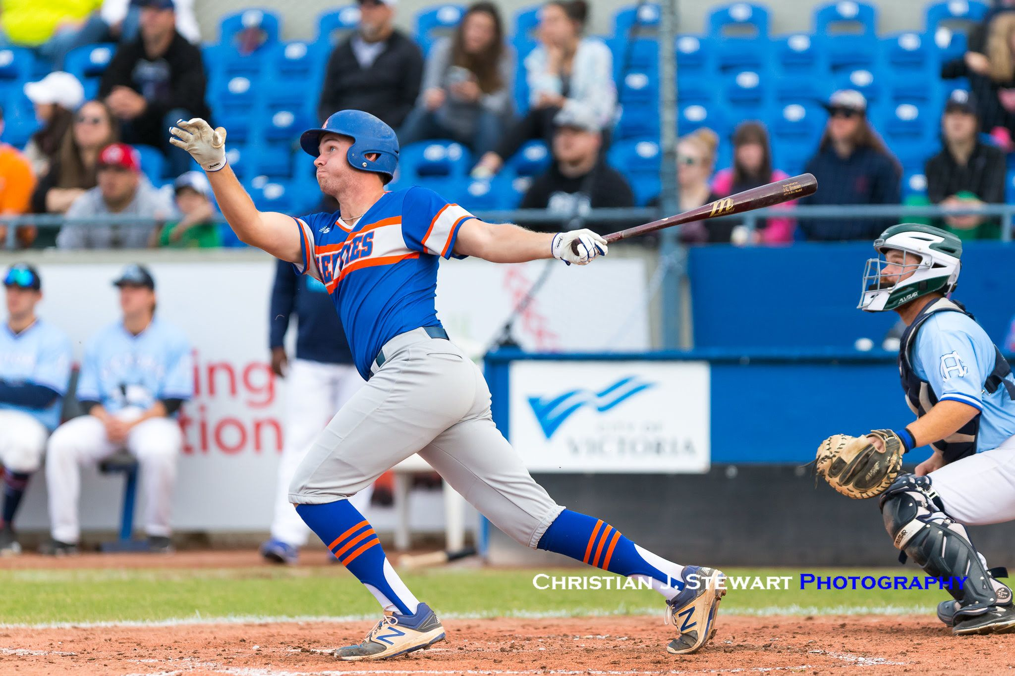 Lefties Use Long Ball To Hammer Harbourcats Ball Lefty Athletic