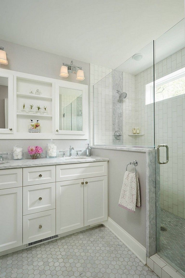 9+ Beautiful Small Bathroom Shower Remodel Ideas #bathroomideas