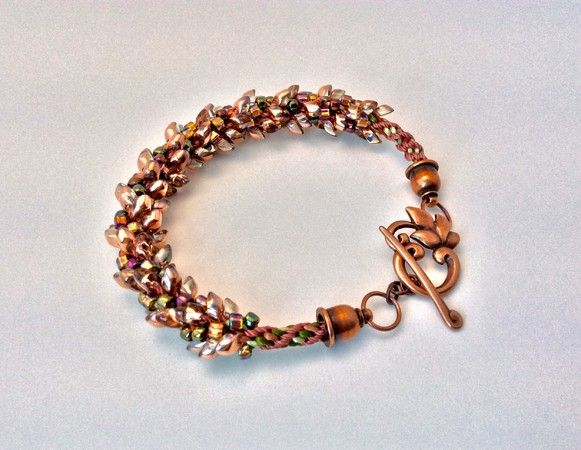Magatama Bracelet (Customer Design) - Lima Beads