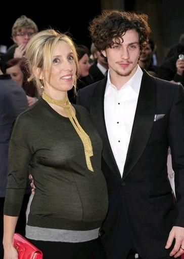 Aaron Johnson with his wife Sam | Aaron johnson, Sam ...