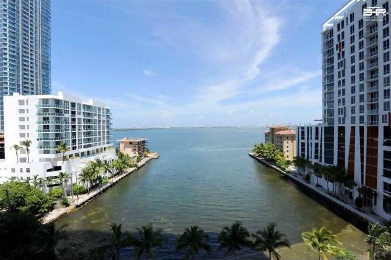 Paramount Bay Condos Are Located In Miami Midtown The Miami Condo Lifestyle Team Specializes In Paramount Bay We Ha Miami Condo Two Bedroom Apartments Outdoor