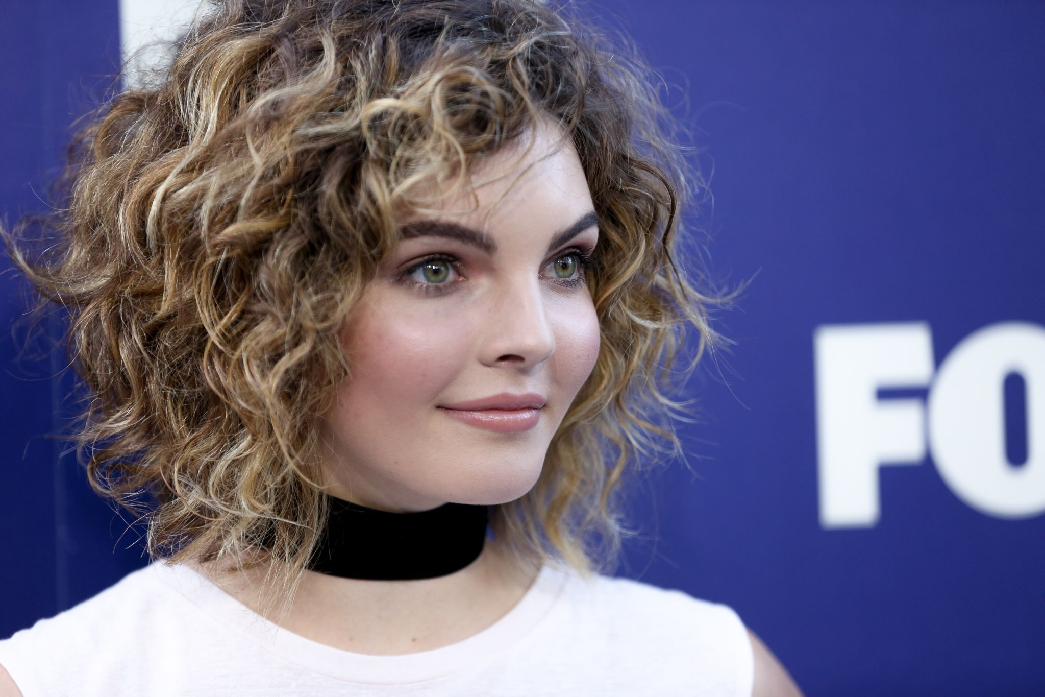 camren bicondova (below) and michelle pfeiffer. both played