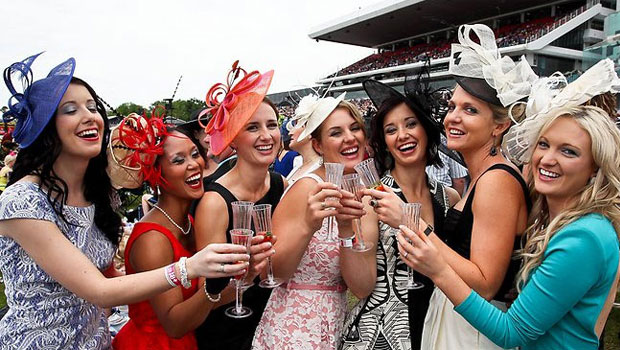 Pin by Emily on Races   Races outfit, Carnival fashion