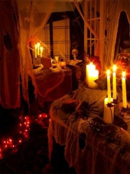 Indoor halloween house decorating ideas also haunted houses and rh pinterest