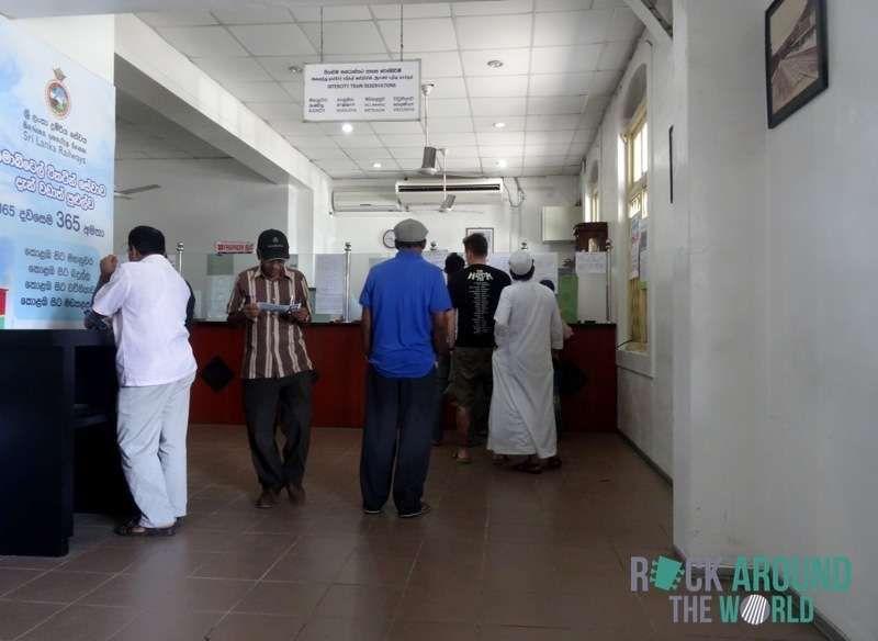 Bahnhof – Ticketschalter – in Colombo, Sri Lanka