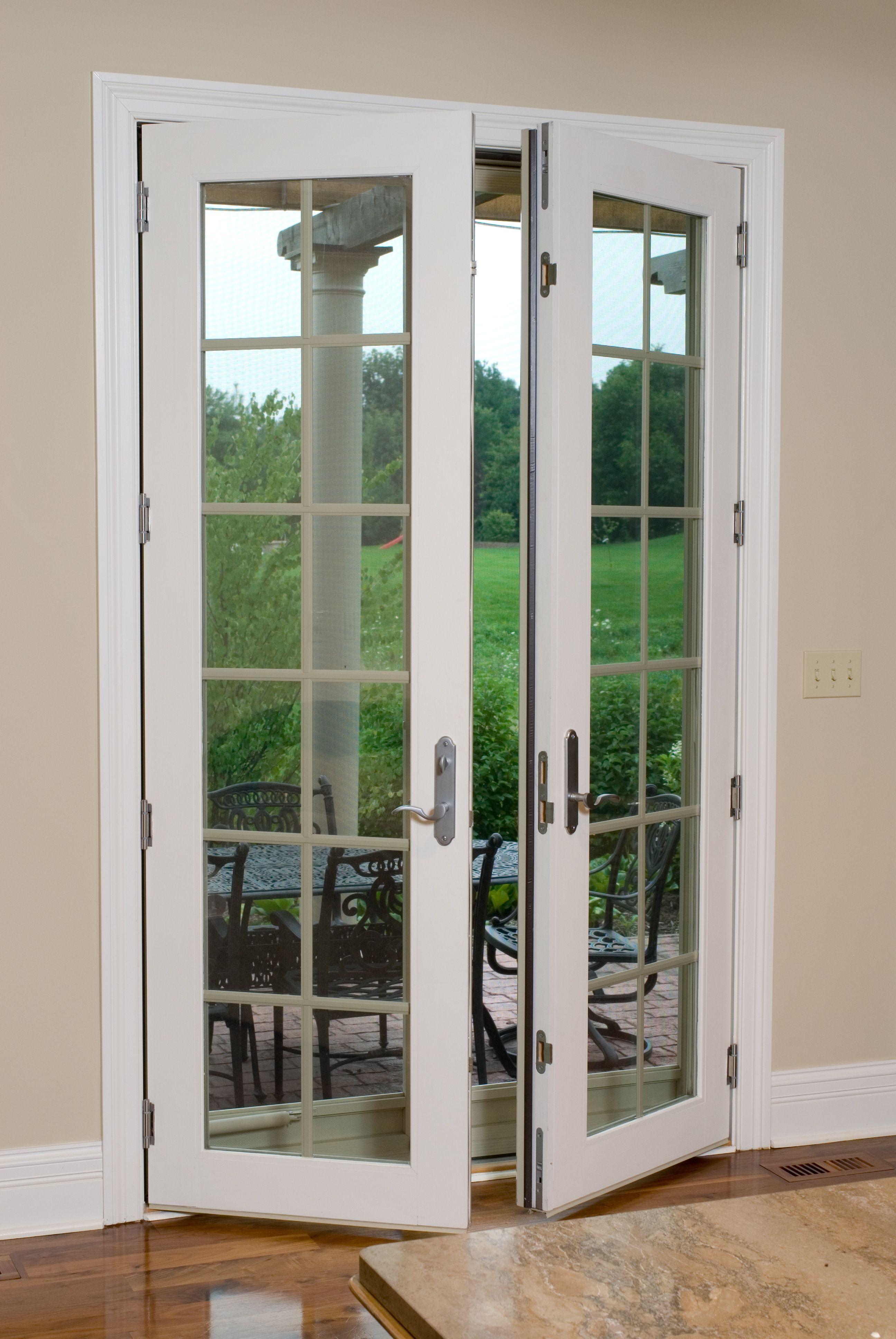 Casco Patio Doors Embrace The Attributes That Shine Brightest In The Midwest With Quality And Affordabilit Exterior Doors Patio Doors Windows Doors