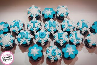 Sweet Cucas and Cupcakes by Rosângela Rolim: Mini Cupcakes e Alfajores Decorados Tema Frozen