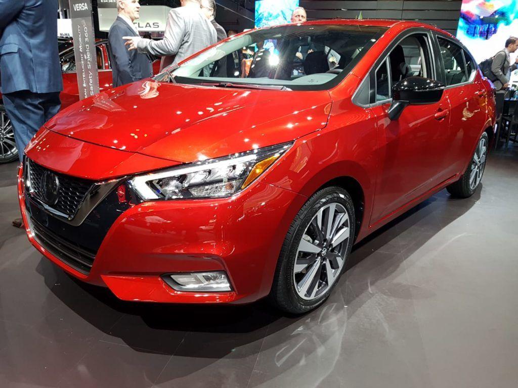 Mega Galeria Del Nuevo Nissan Versa 2020 Desde El Salon De Nueva York Autologia Nissan Carros Lindos Galerias