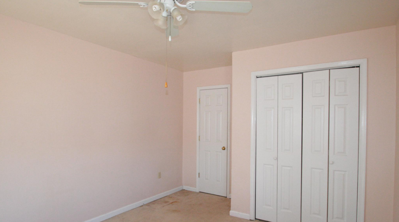 Chair Rail Level Part - 49: ... Fredericksburg, VA 22407 Cute 2 Story Home With Master Bedroom On Main  Level. Large Family Room With Fireplace And Mantel. Crown And Chair Rail  Molding.