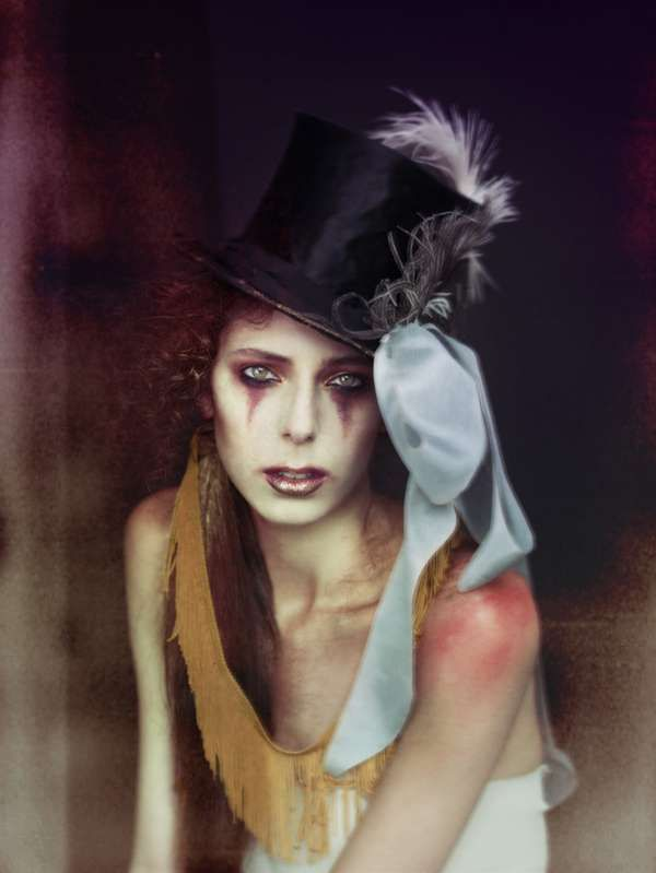 100 Examples of Circus Fashion - These Vivid Styles are Quirky and Eccentric (CLUSTER)