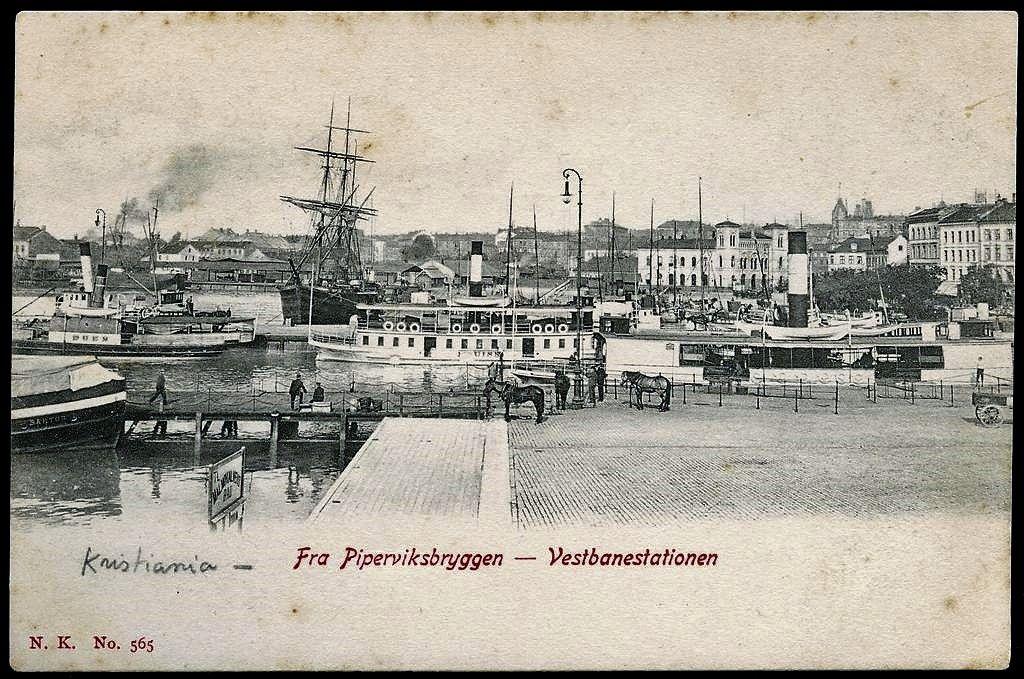 Kristiania Christiania Piperviksbryggen og Vestbanestationen. Tidlig 1900-tall. Utg Narvesen