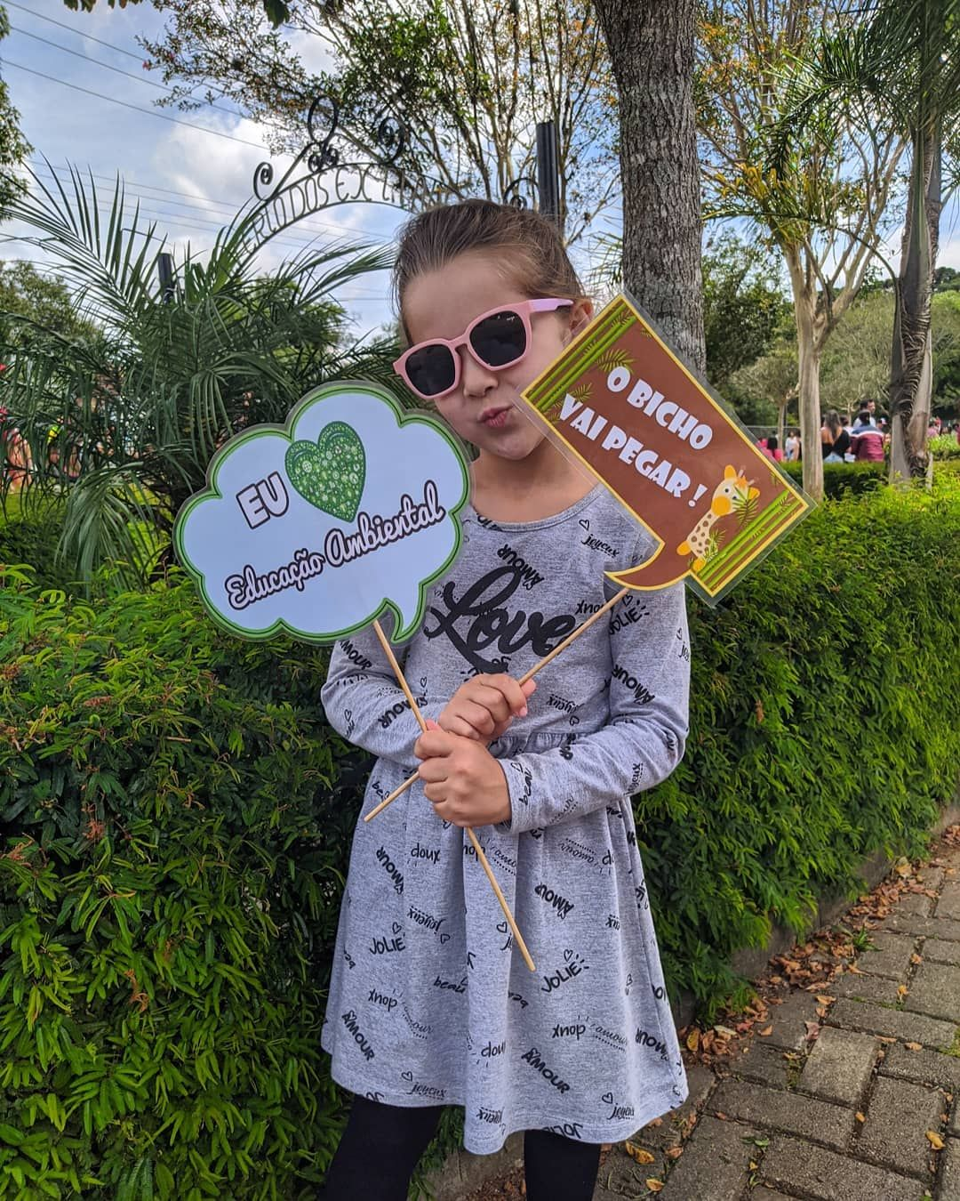 Dia lindo e abençoado com a família no Zoológico! 🦌🐢🐊🐍🦜🦚 . . . . . . . . . . #curitiba #brasil #cwb #brazil #curitibacool #parana #zoologico #photography #instagood #love #nature #curitibacult #travel #zoologicocuritiba #curitibando #curitibacult #domingo #familia #gratidao #carnaval2020