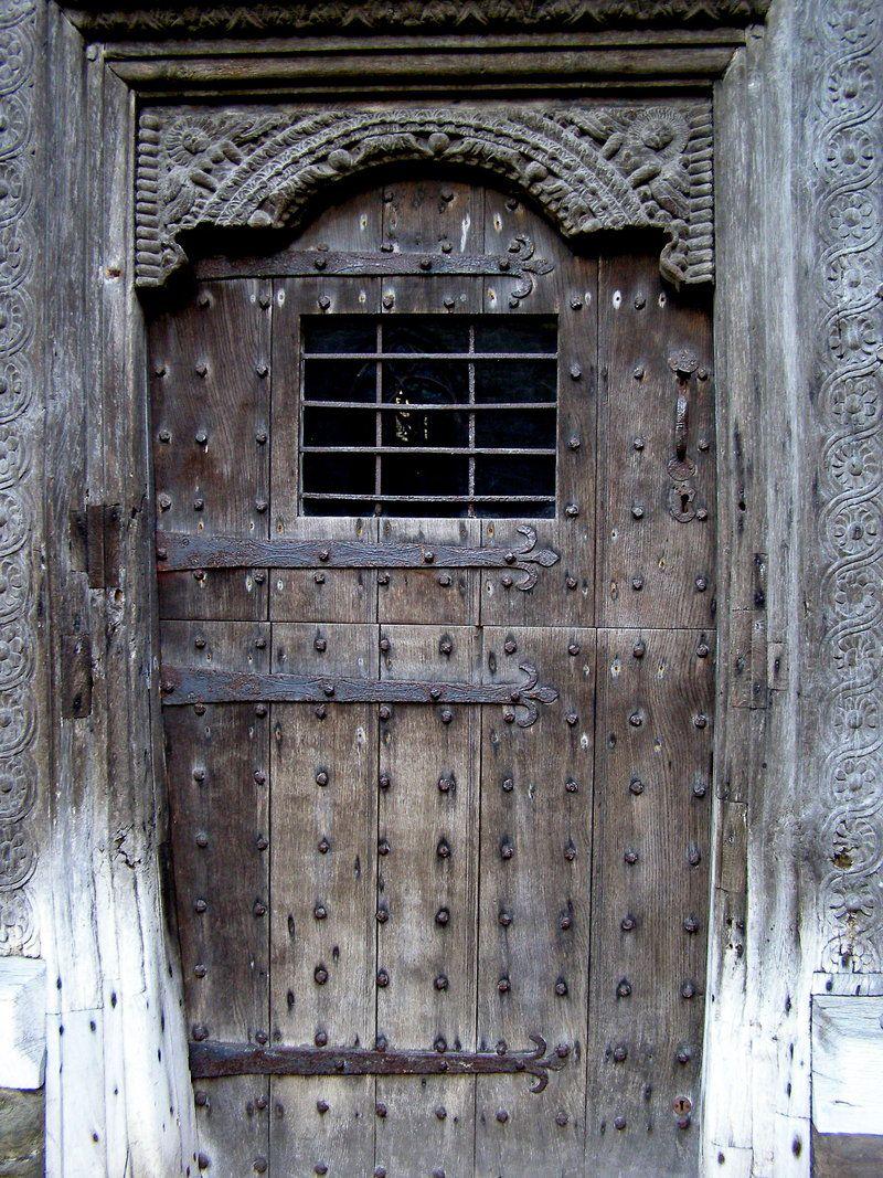 Vieille Porte En Bois Ancienne ancienne porte cloutÉe   porte fenetre, vieilles portes