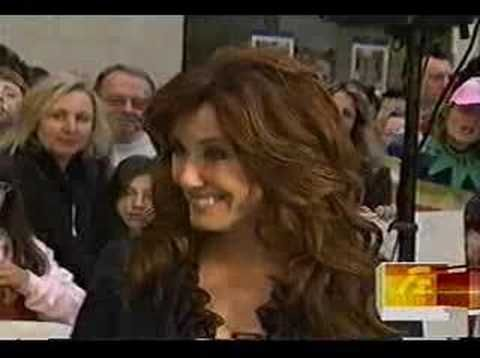 ▶ Mary McDonnell Interview - YouTube