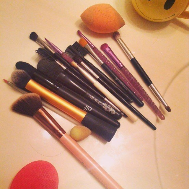 The only thing I hate about brushes is cleaning them. #makeuplover by katlin_jf