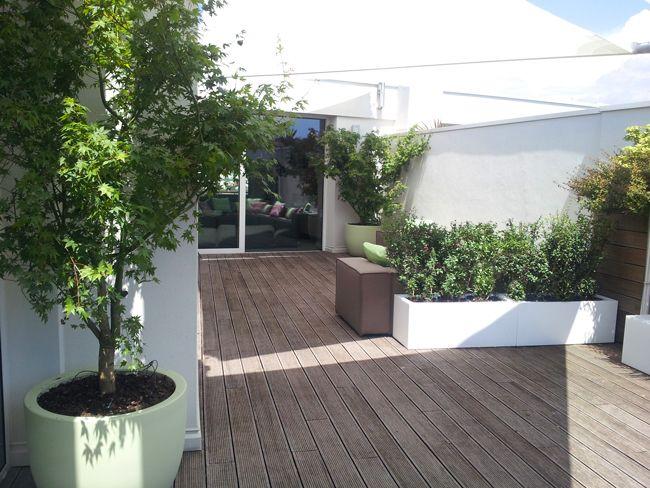 Realizzazione terrazzo a Brescia. Vasi e fioriere in resìna. Design ...