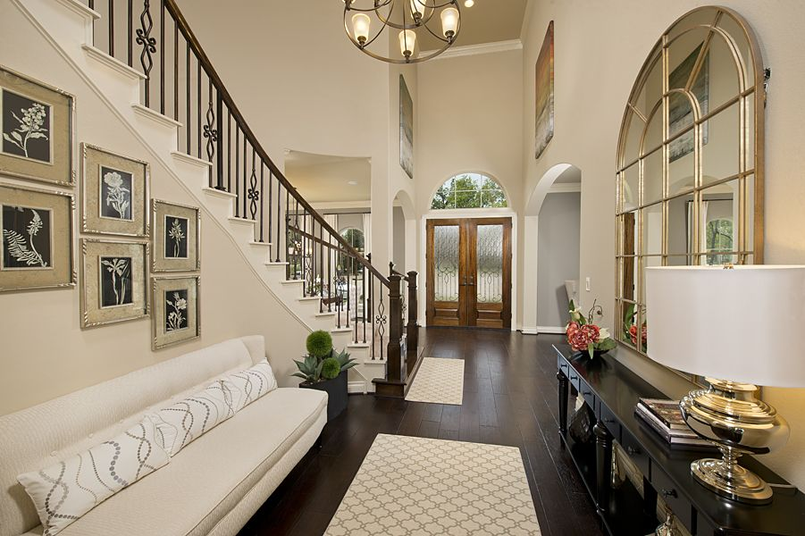 4931 sq ft model home foyer perry homes village