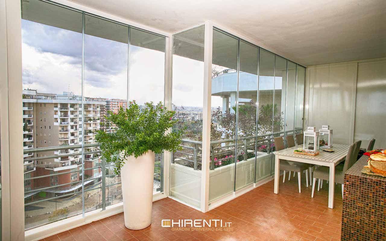 Terrazze Chiuse Con Vetrate balcone chiuso con delle vetrate panoramiche scorrevoli al