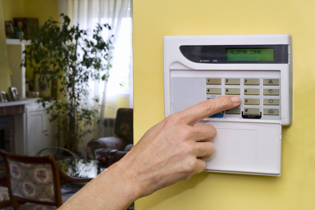 Will Home Security Systems Work When The Grid S Down Wireless Home Security Systems Home Security Systems Home Security