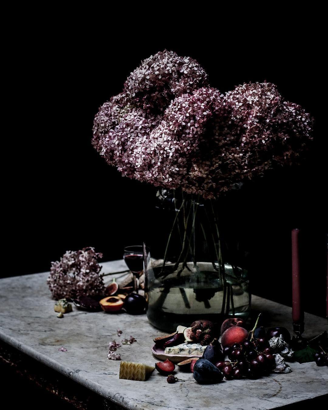 """Mi piace"": 1,122, commenti: 27 - La Musa de las Flores (@lamusadelasflores) su Instagram: ""Hydrangeas in this amazing color captured by @rodica_godlewski in our class at @londonflowerschool…"""
