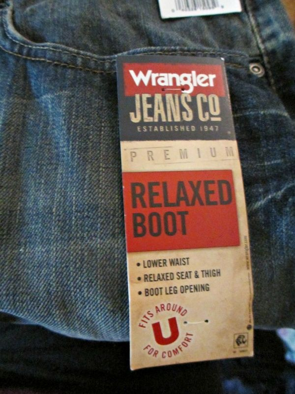 fb0314316b hang tag jeans design - Google Search