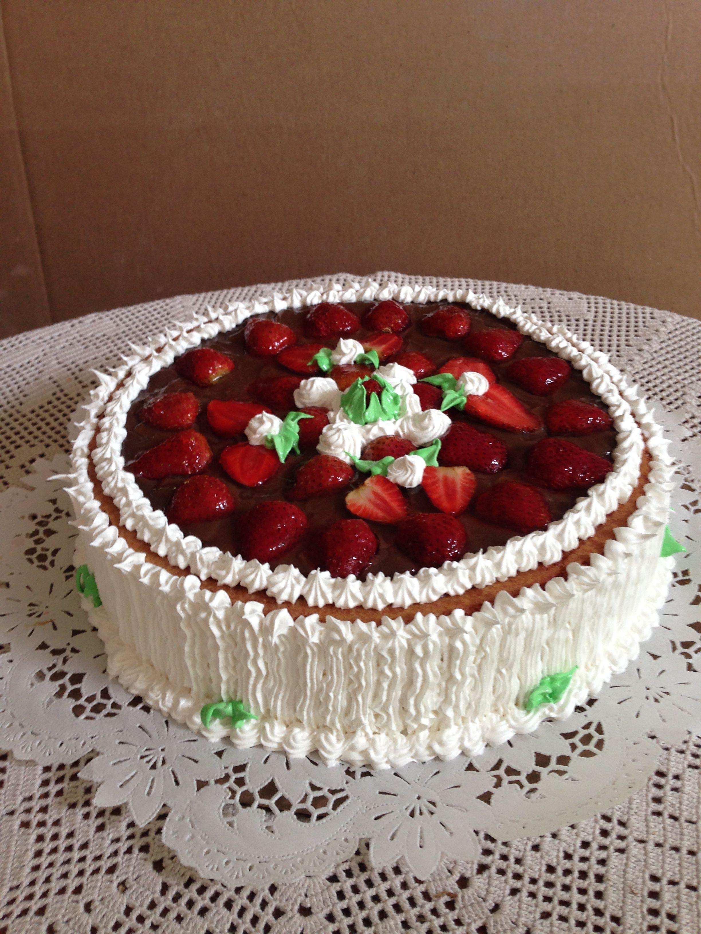 Torta de fresas con crema pastelera de chocolate, cake strawberry ...