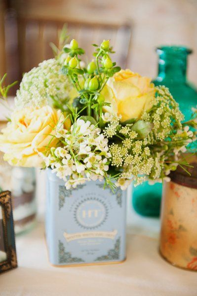 Yellow vintage centerpiece {Christa Elyce Photography} #weddings #weddingflowers