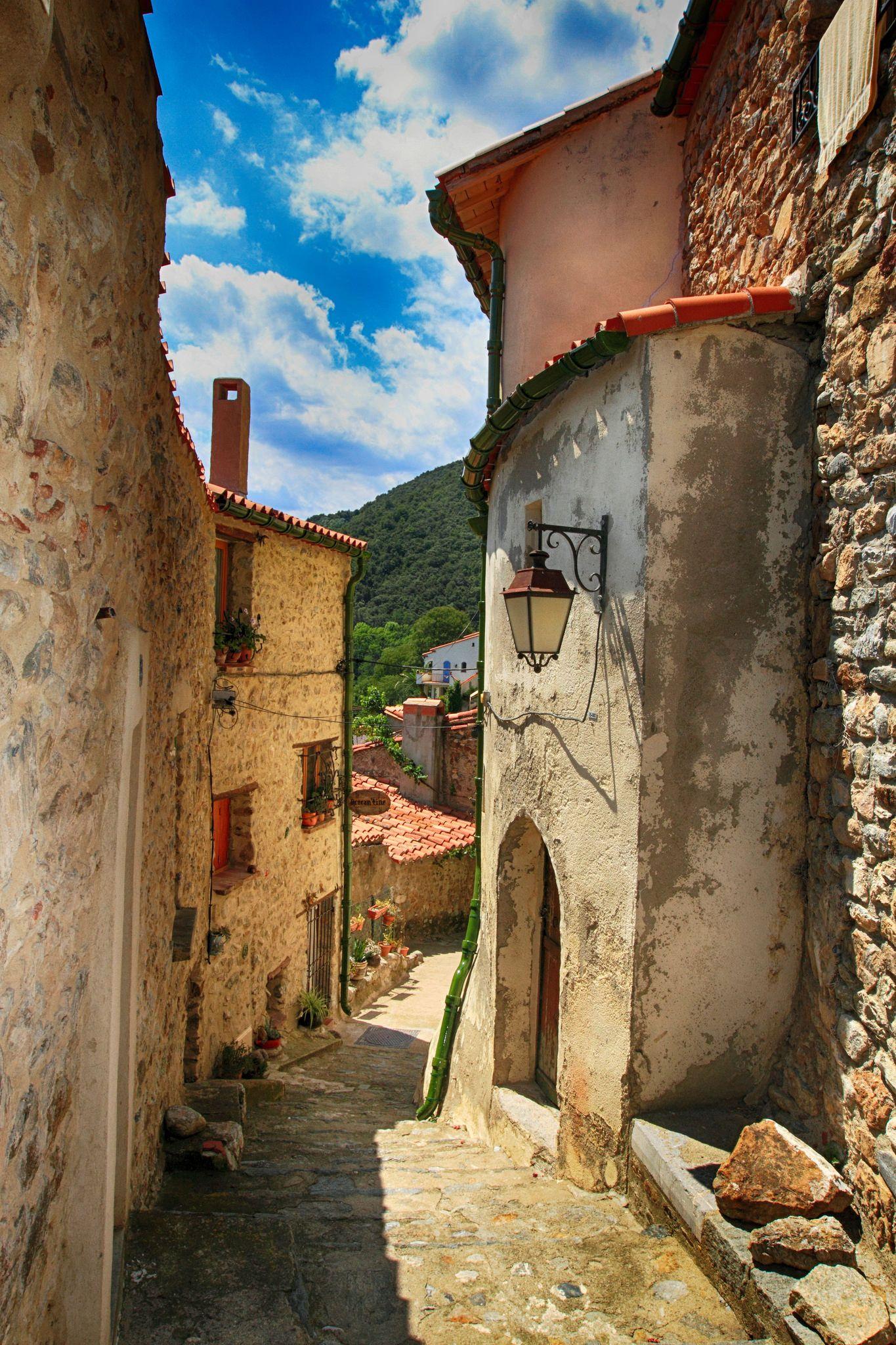 https://flic.kr/p/H647FL | Le village médiéval de Palalda | Plus d'infos sur le site www.tourisme-amelie.com
