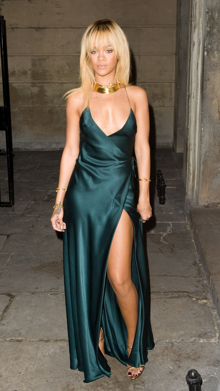 pin rihanna dresses on - photo #14