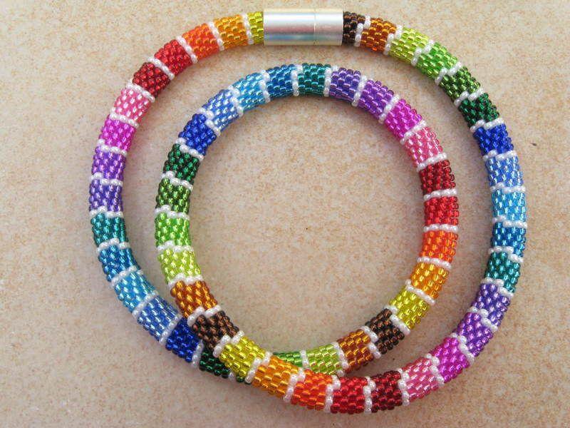 lustige regenbogenkette von steffis perlenketten auf. Black Bedroom Furniture Sets. Home Design Ideas