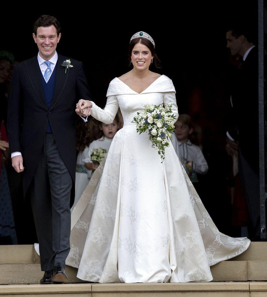 Princess Eugenie Wedding Dress Celebrity Wedding Gowns Royal Wedding Gowns Royal Wedding Dress [ 1024 x 922 Pixel ]