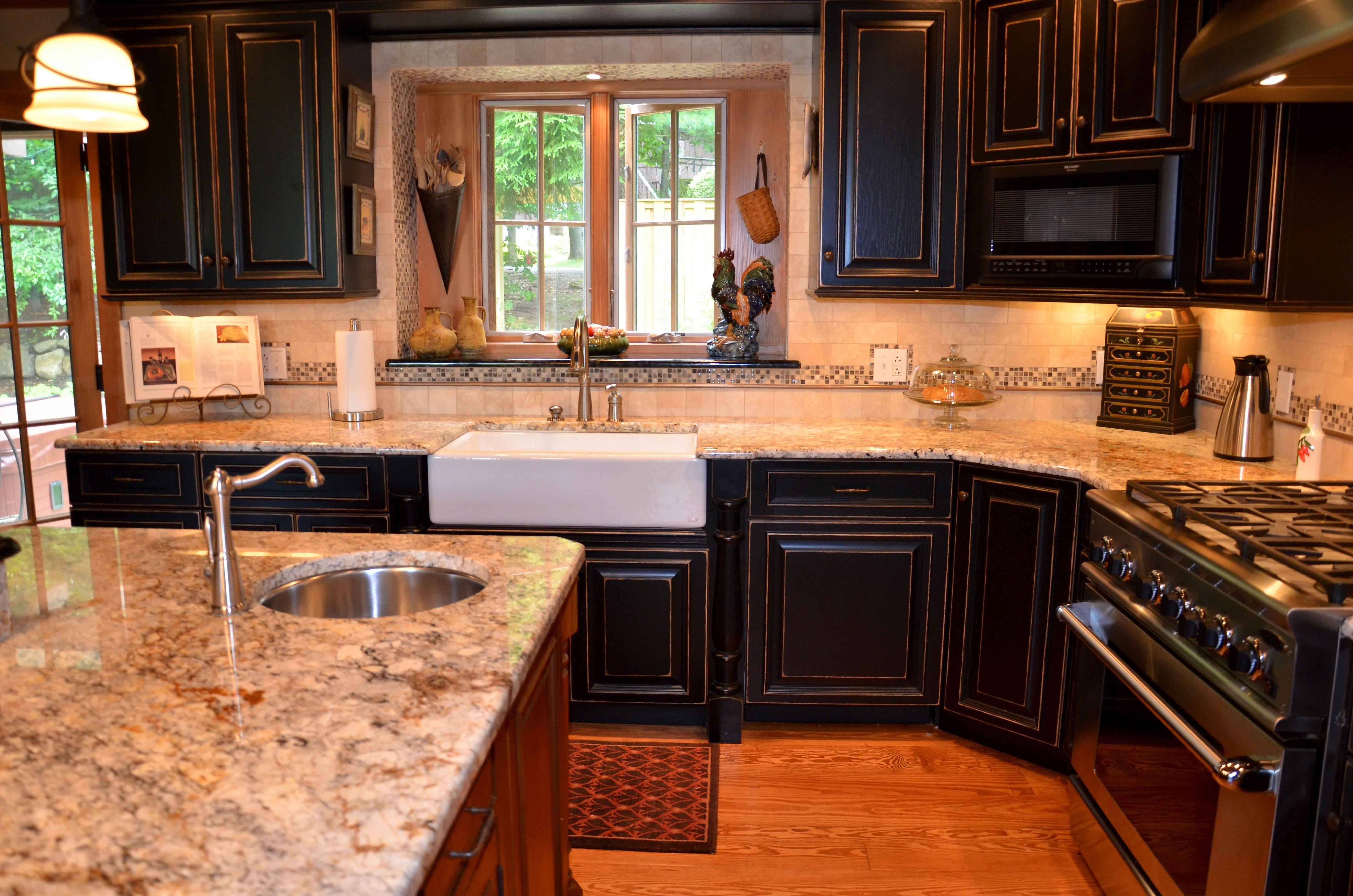 Gold & Silver Granite Countertop with black and