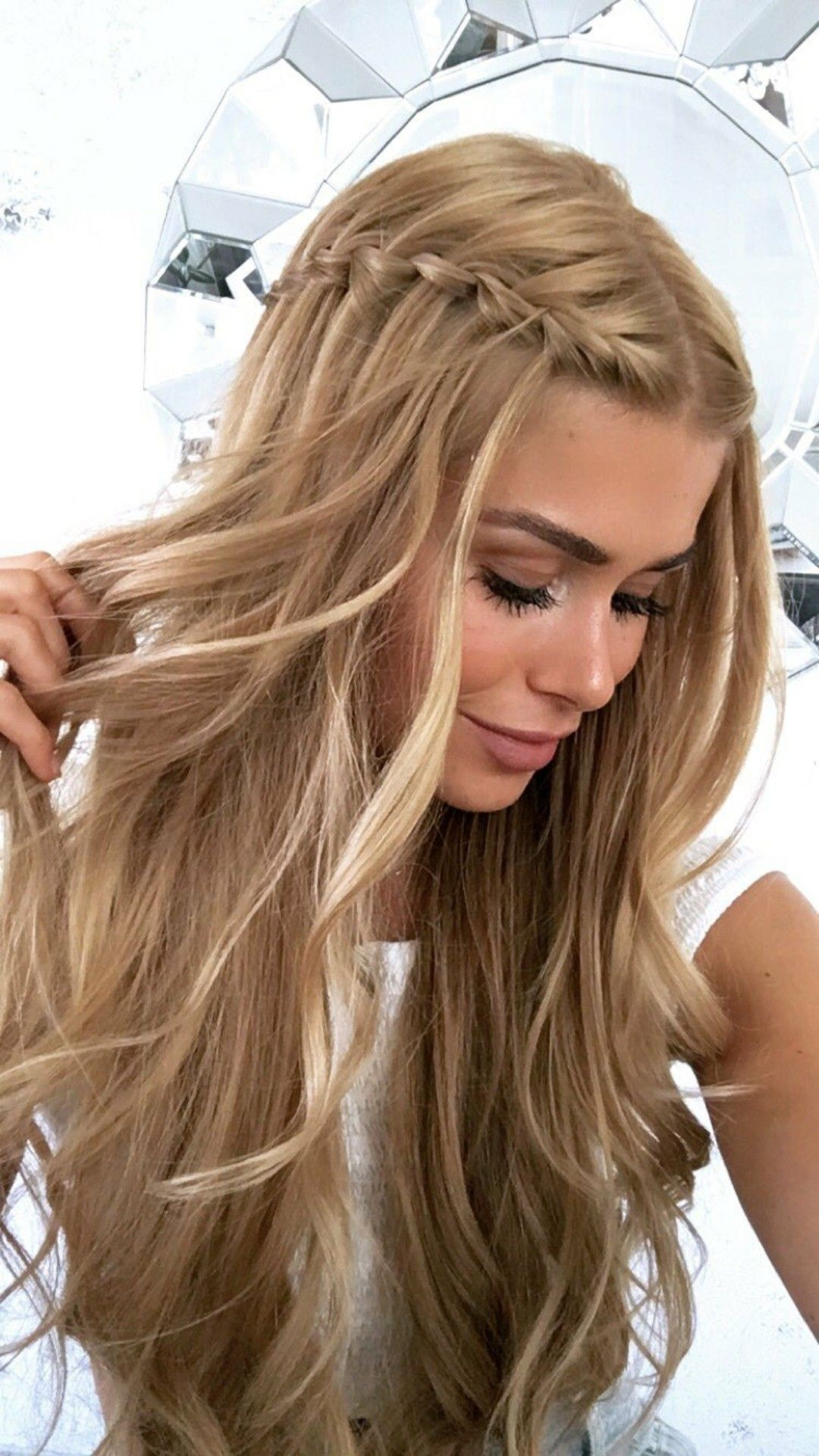 Grace hair | Formal hairstyles for long hair, Prom hairstyles for long hair, Easy formal hairstyles