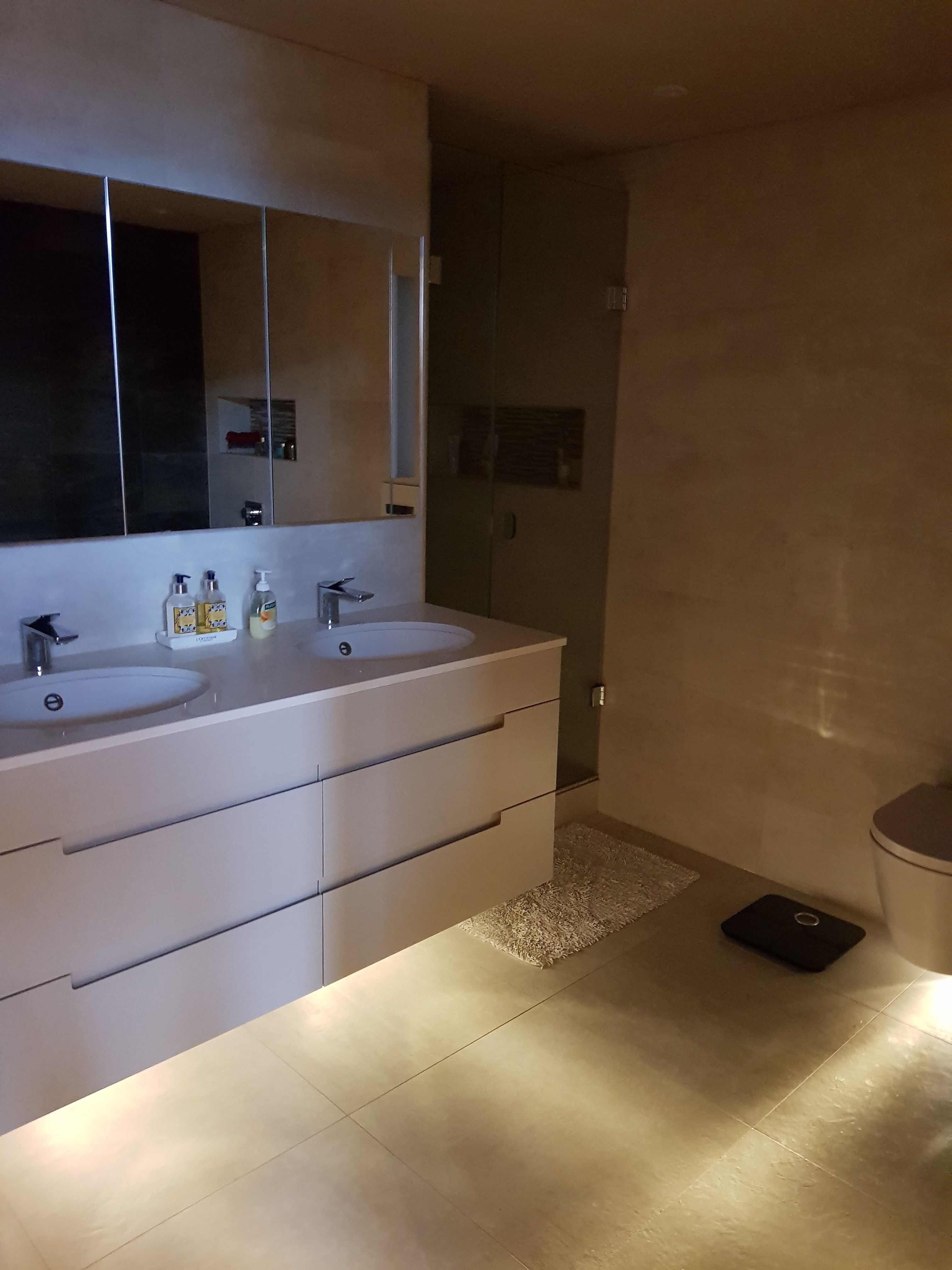 Spectacular bespoke bathroom with mood lighting. Designed by ...
