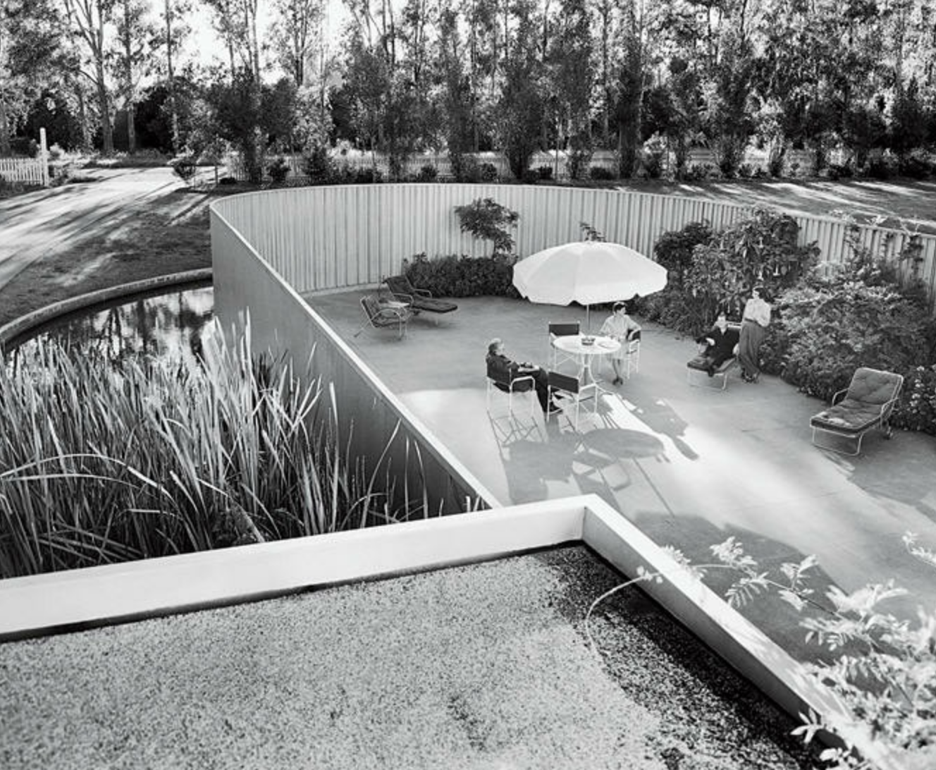 Richard Neutra Ayn Rand Frank O Connor At Von Sternberg House 1935 Northridge Ca With Images Architecture Richard Neutra Architectural Photographers