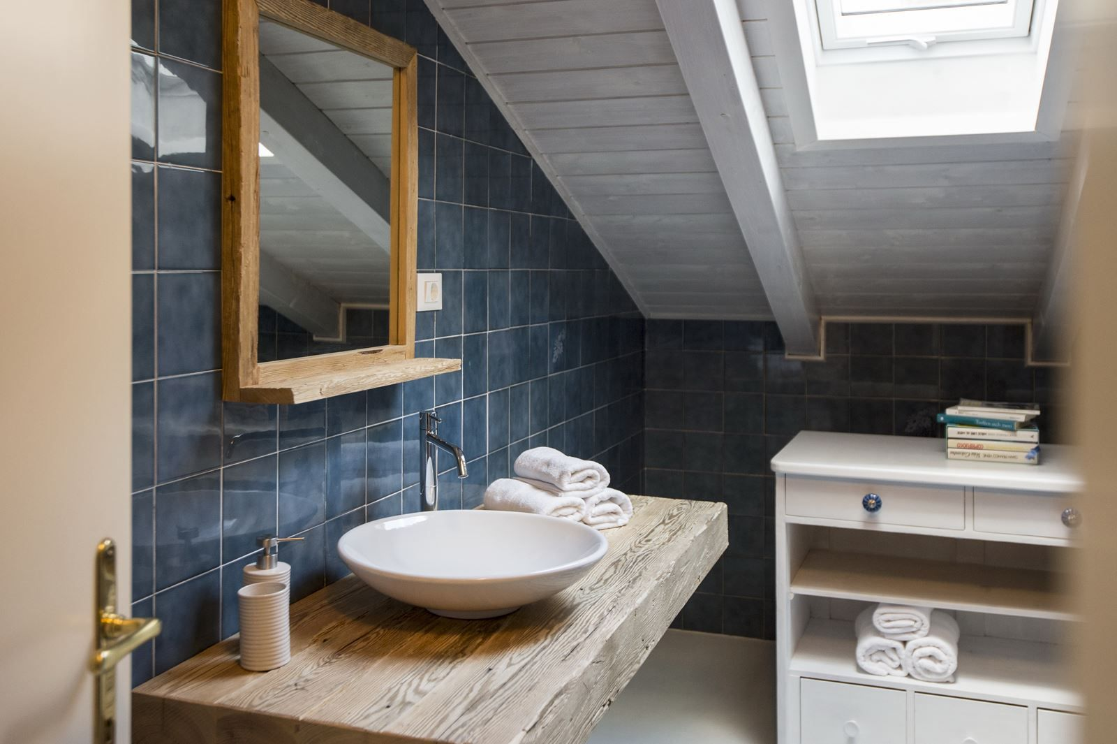 Bagno mansarda ~ Una mansarda per le vacanze in montagna attic attic