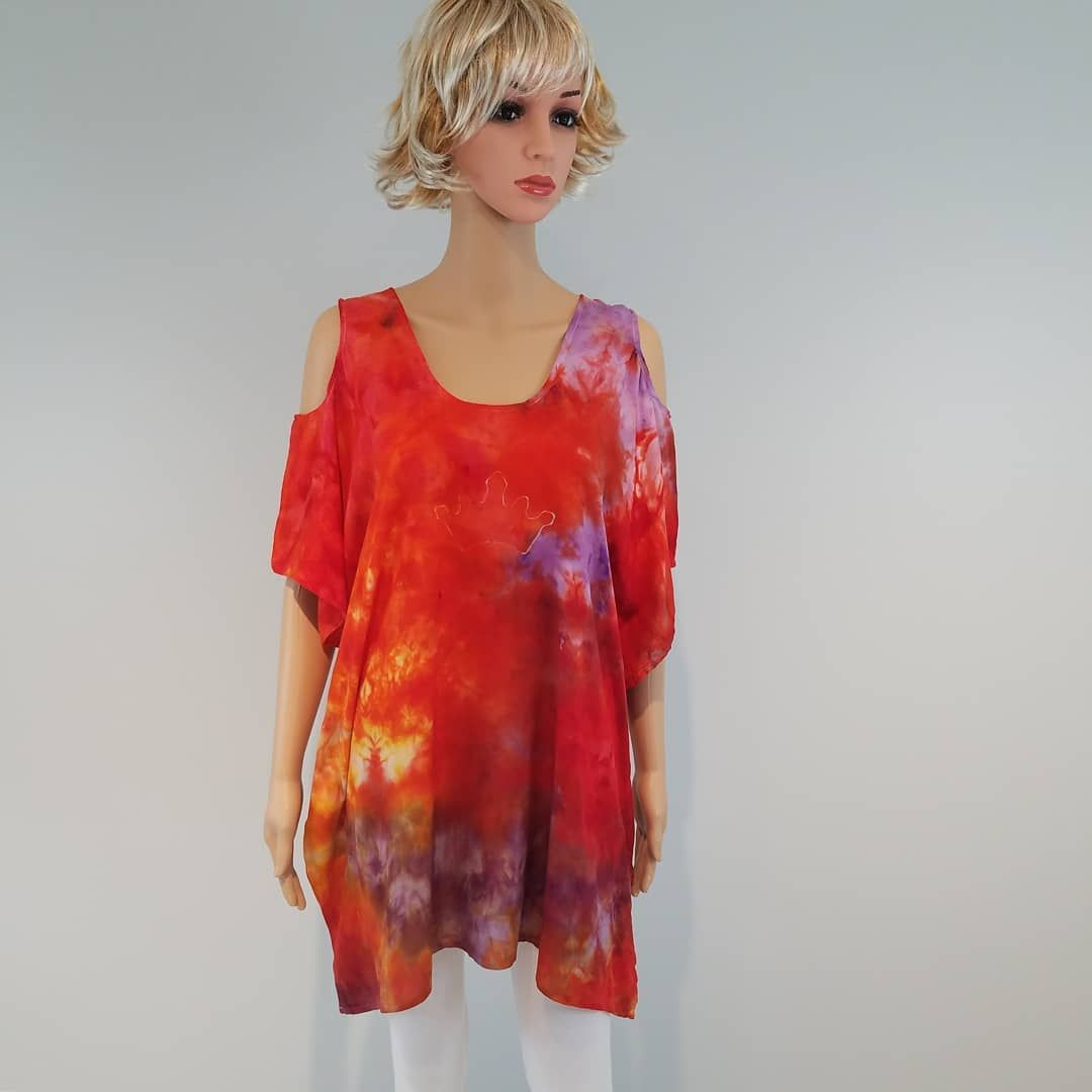 Cold shoulder rayon shirt in a size S/M. #etsy #tiedyetop #icedye