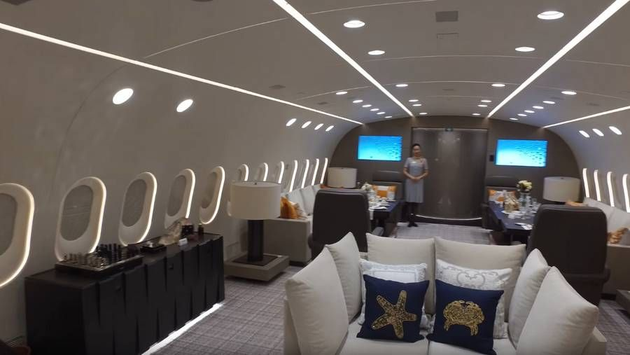 Inside the only private boeing dreamliner on wordlesstech take  look at video world   also jets rh in pinterest